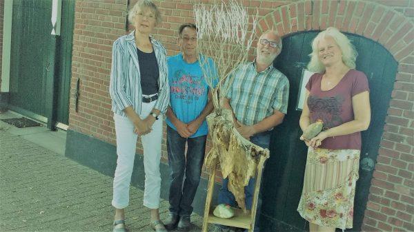 Sylvia Lotte overhandigd groene pluim aan familie Keuper